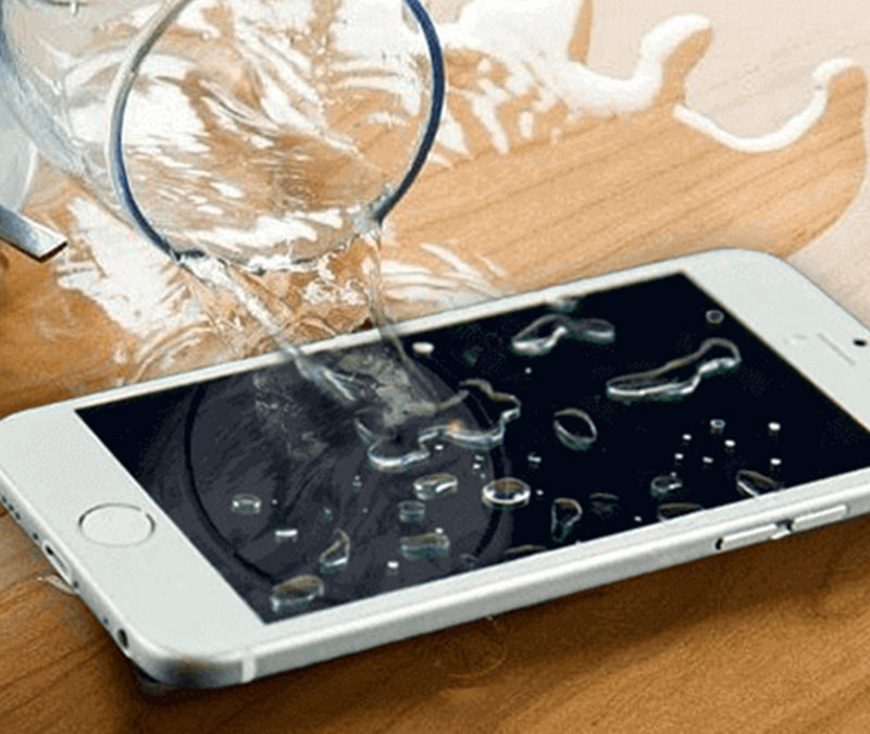 Мифы о реанимации Iphone после попадания в него влаги